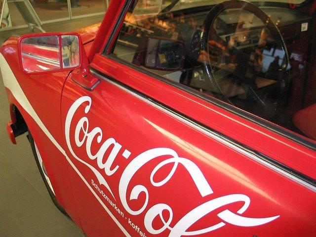 auto s reklamou