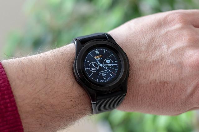náramkové hodinky s krokoměrem.jpg