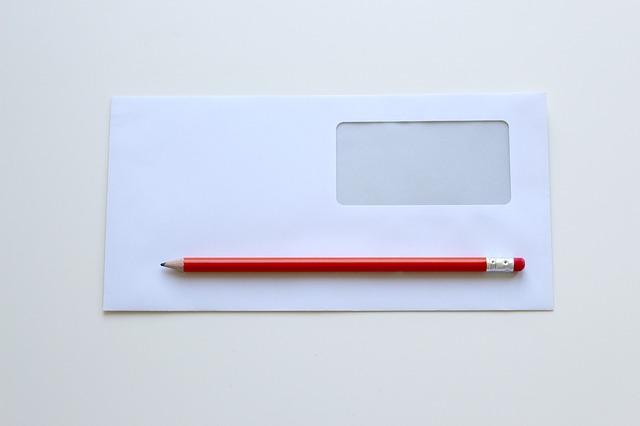 tužka na obálce