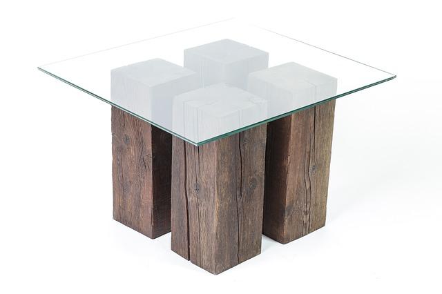 atypicky řešený stůl